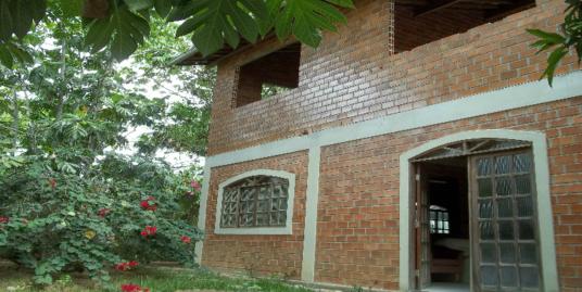 Casa no condomínio Mirantes de Aldeia